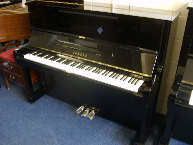 Used Yamaha U1 upright piano
