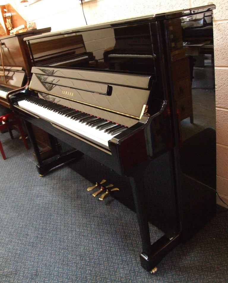 Photo of Yamaha V124N-S  Upright piano