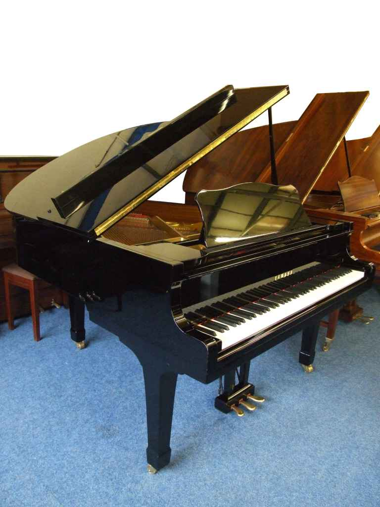 Photo of Yamaha G2 Grand piano