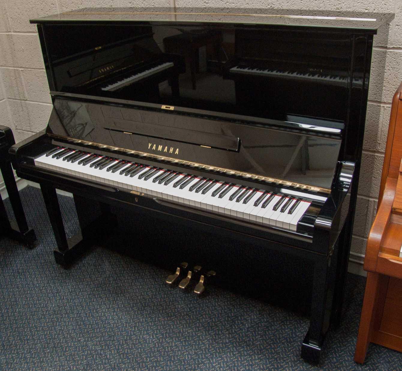 Photo of Yamaha U3H Upright piano