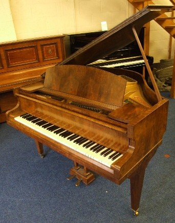 Small pianos roberts pianos roberts pianos oxford for Small grand piano size