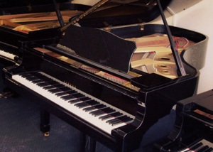black yamaha grand piano by yamaha pianos