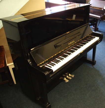 yamaha_u3h_upright_piano003