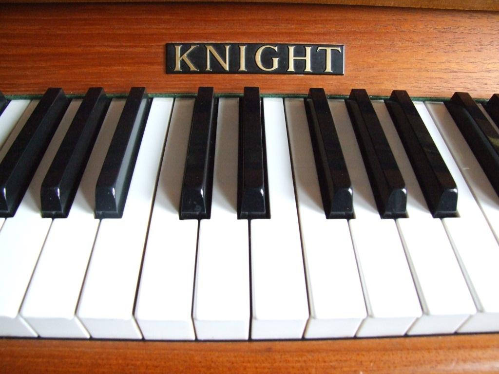 Knight Nameboard Sell your Knight piano