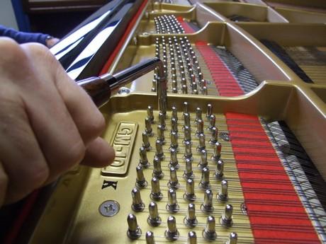 Kawai GM-10K grand piano