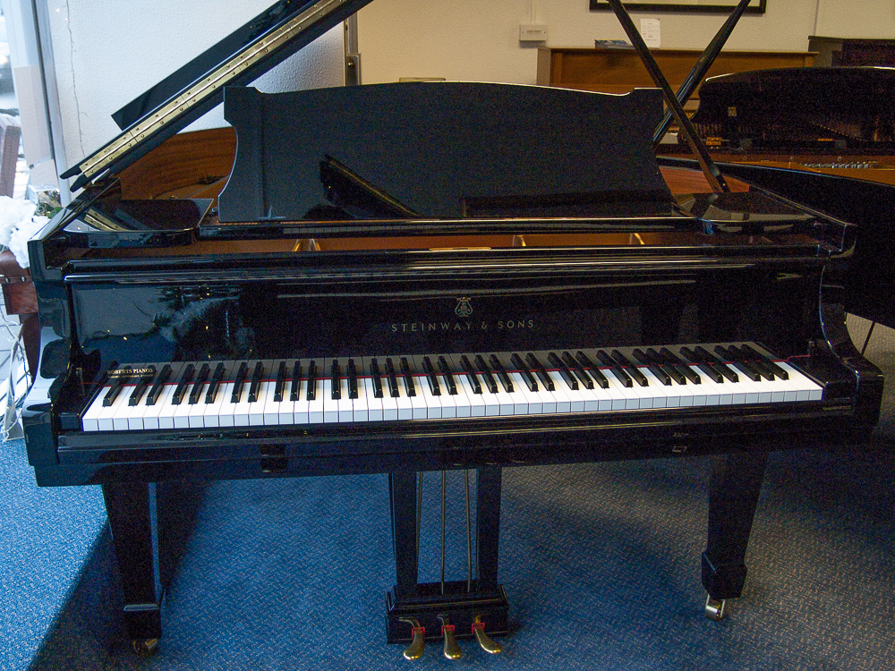 black model o steinway grand pianos