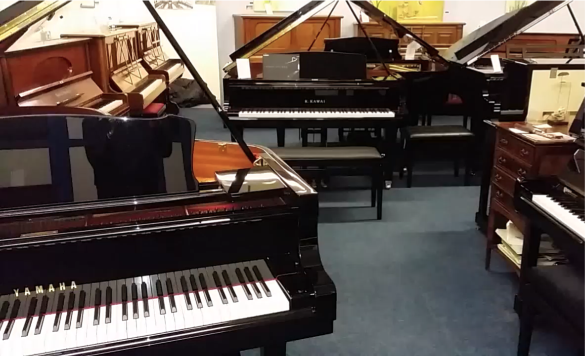 Pianos for sale roberts pianos for Small grand piano